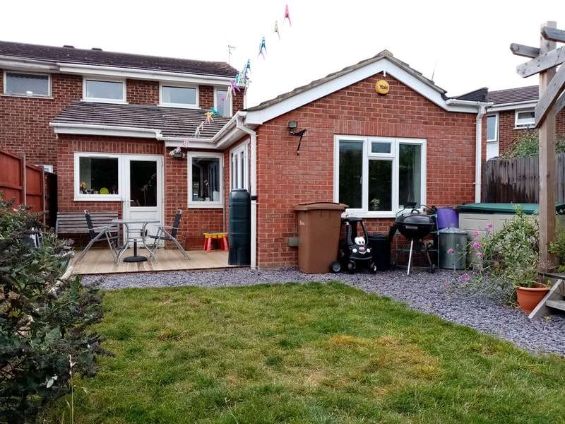 3 Bedrooms Semi Detached House for sale in Lupin Drive, Chelmsford, Essex, CM1