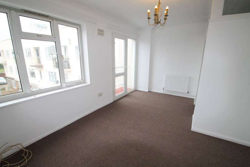 Apartment Flat for sale in Dukes Avenue, Grays, RM17