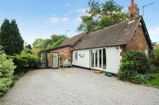 3 Bedrooms Detached House for sale in Warburton Lane, Warburton