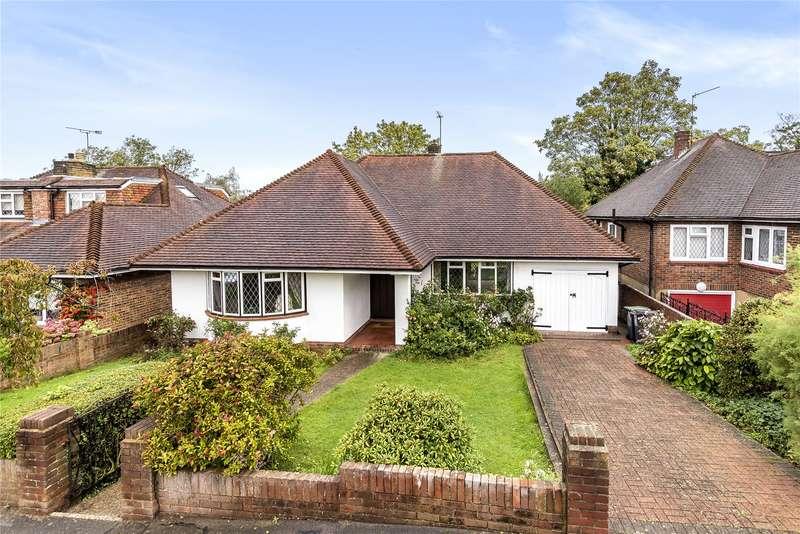 2 Bedrooms Detached Bungalow for sale in Fernside, Buckhurst Hill, Essex, IG9