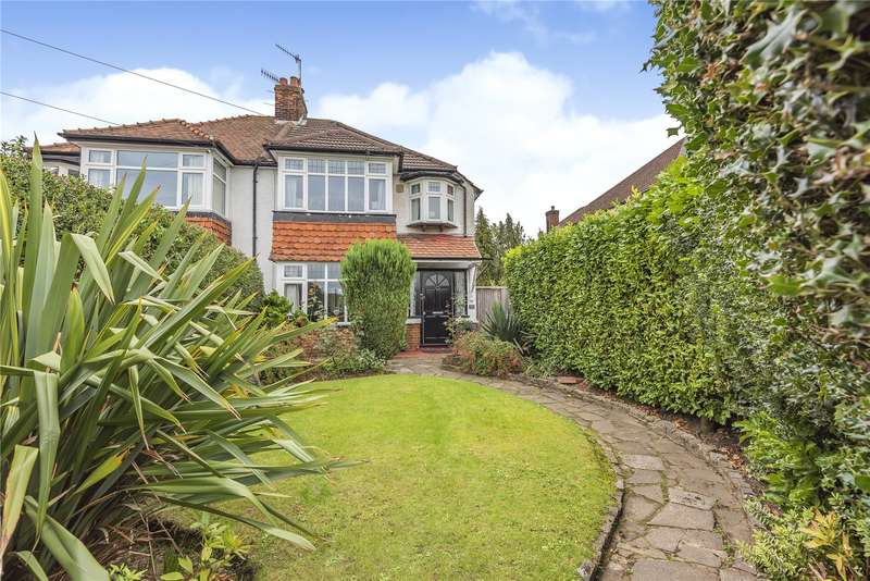 3 Bedrooms Semi Detached House for sale in Hampermill Lane, Oxhey Hall, Watford, WD19