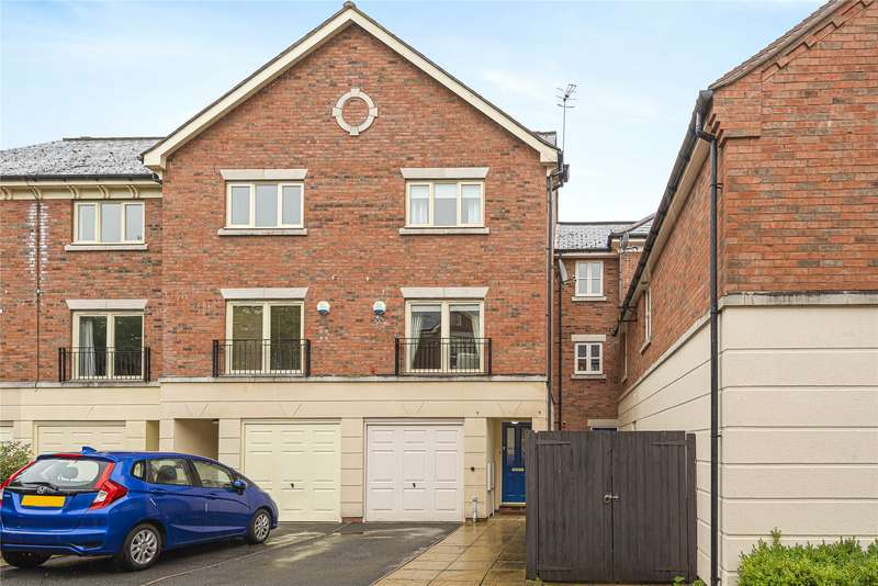 3 Bedrooms End Of Terrace House for sale in Lion Court, Worcester, Worcestershire, WR1