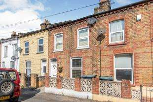 2 Bedrooms Terraced House for sale in Raphael Road, Gravesend, Kent, England