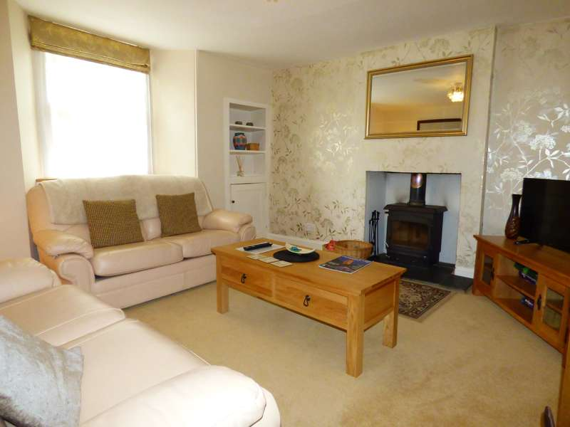 2 Bedrooms Semi Detached House for sale in West End, Northleach, Cheltenham, Gloucestershire