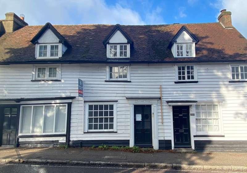 3 Bedrooms Cottage House for sale in Clodhoddle Cottage, High Street, Elstree, Borehamwood, Hertfordshire, WD6 3EP