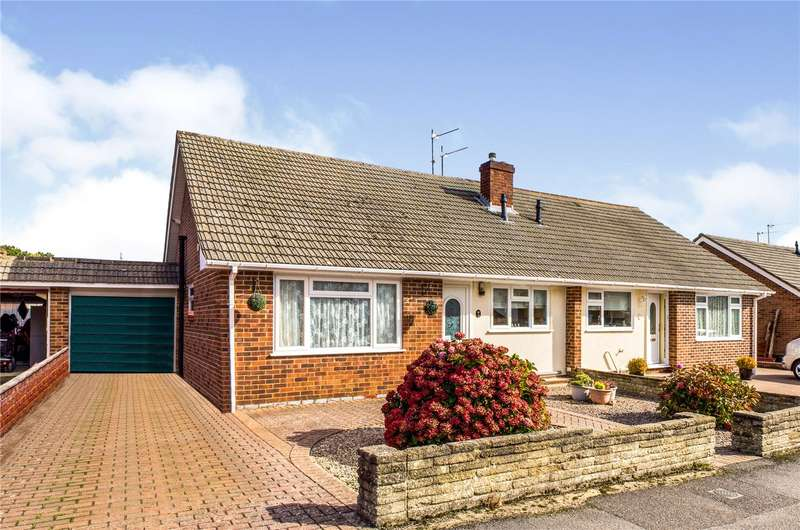3 Bedrooms Semi Detached Bungalow for sale in Glendale Road, Tadley, RG26