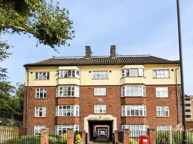 3 Bedrooms Flat for rent in Lower Road, Canada Water SE16
