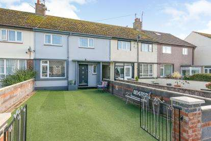 3 Bedrooms Terraced House for sale in Ffordd Morfa, Llandudno, Conwy, North Wales, LL30