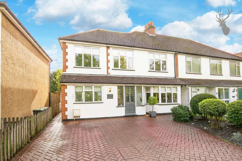 4 Bedrooms Detached House for sale in Carpenters Arms Lane, Thornwood, Epping, Essex