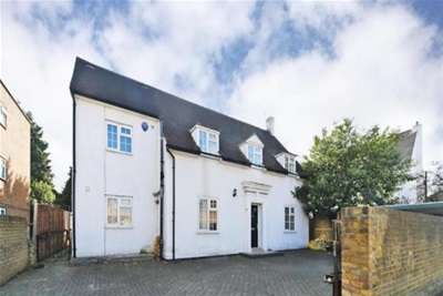 4 Bedrooms House for rent in Idmiston Road - Worcester Park