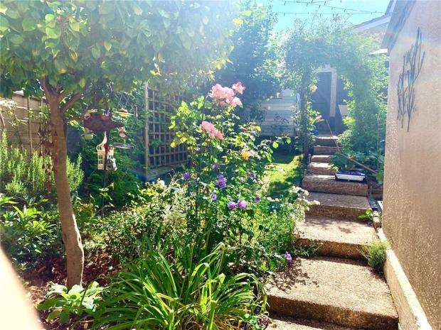 3 Bedrooms Terraced House for sale in Lindsay Road, Southampton, Hampshire