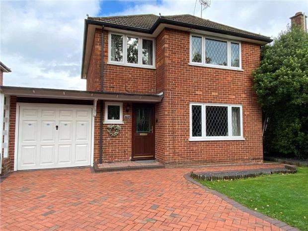 3 Bedrooms Link Detached House for sale in Durley Avenue, Waterlooville