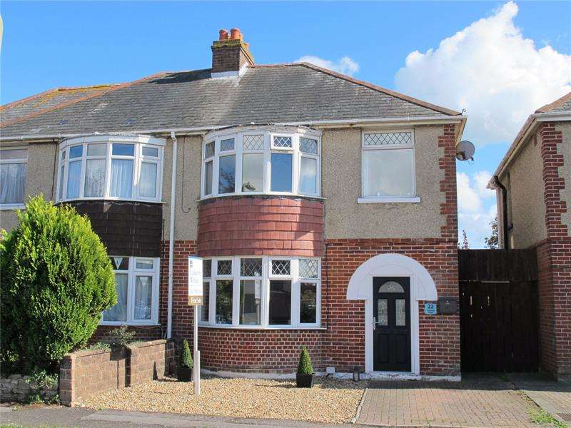 3 Bedrooms Semi Detached House for sale in Anglesea Road, Lee-On-The-Solent, Hampshire, PO13