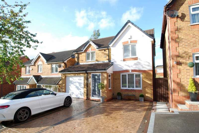 3 Bedrooms Detached House for sale in Chestnut Drive, Walmersley, Bury