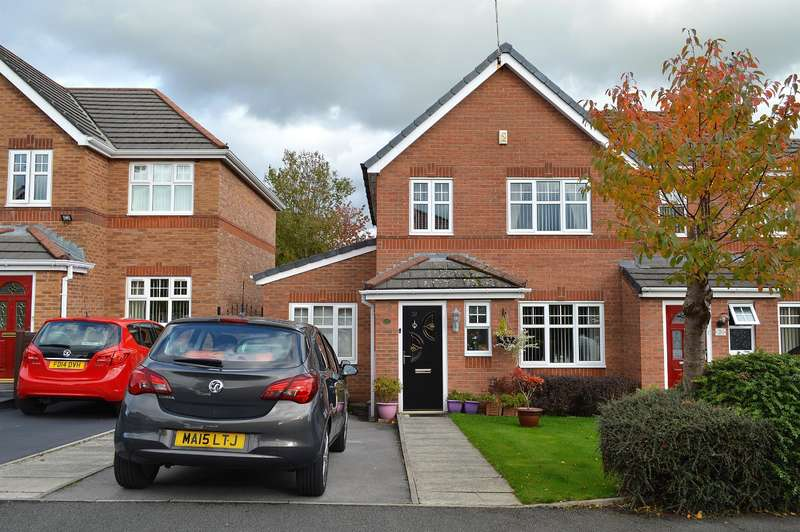 3 Bedrooms Town House for sale in Quantock Drive, Oldham, OL8 3WJ