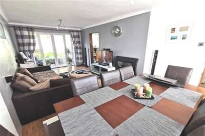 3 Bedrooms End Of Terrace House for rent in Solva Road, Clase