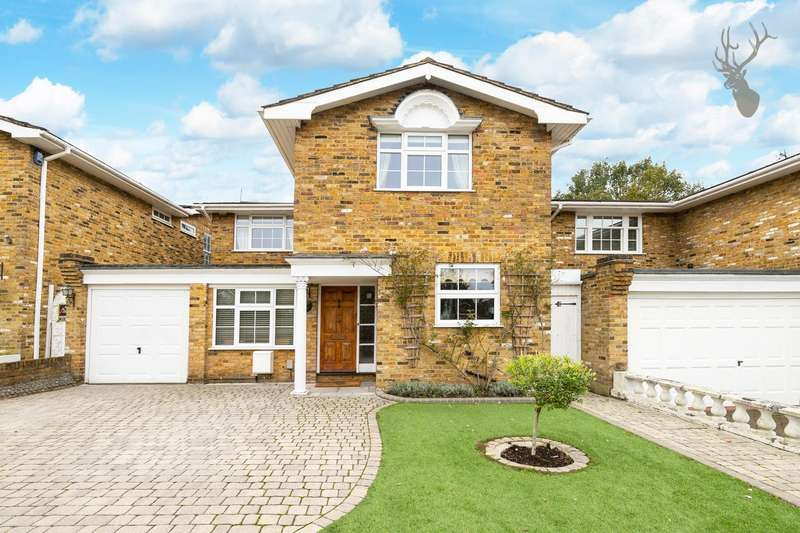 4 Bedrooms Detached House for sale in Elmores, Loughton