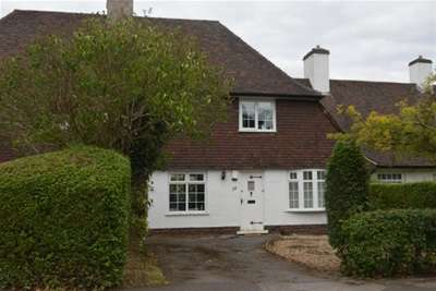 3 Bedrooms Bungalow for rent in 115pppw ** Charnock Avenue **