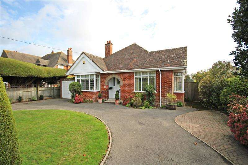 3 Bedrooms Bungalow for sale in Barton Court Avenue, Barton on Sea, New Milton, BH25
