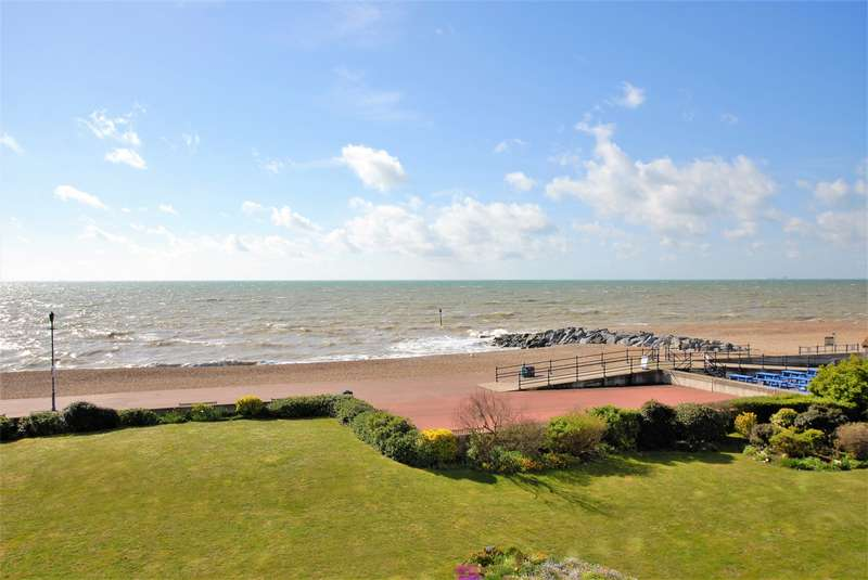 3 Bedrooms Apartment Flat for sale in Admirals Walk, Hythe, CT21