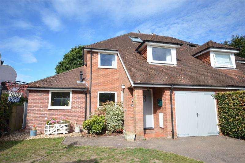 4 Bedrooms Semi Detached House for sale in Gold Mead Close, Lymington, Hampshire, SO41