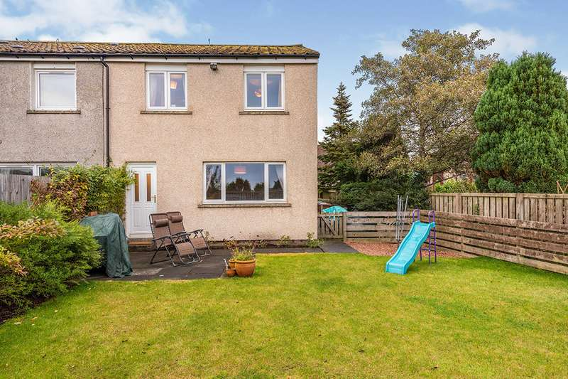 3 Bedrooms Semi Detached House for sale in Church Street, Kingseat, KY12
