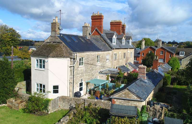 3 Bedrooms Terraced House for sale in Gloucester Street, Cirencester, Gloucestershire