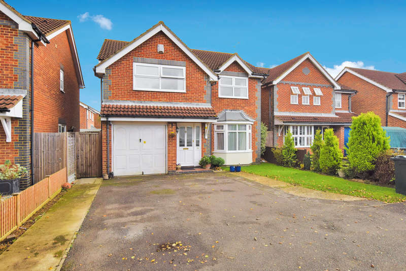 4 Bedrooms Detached House for sale in Centurion Walk, Kingsnorth