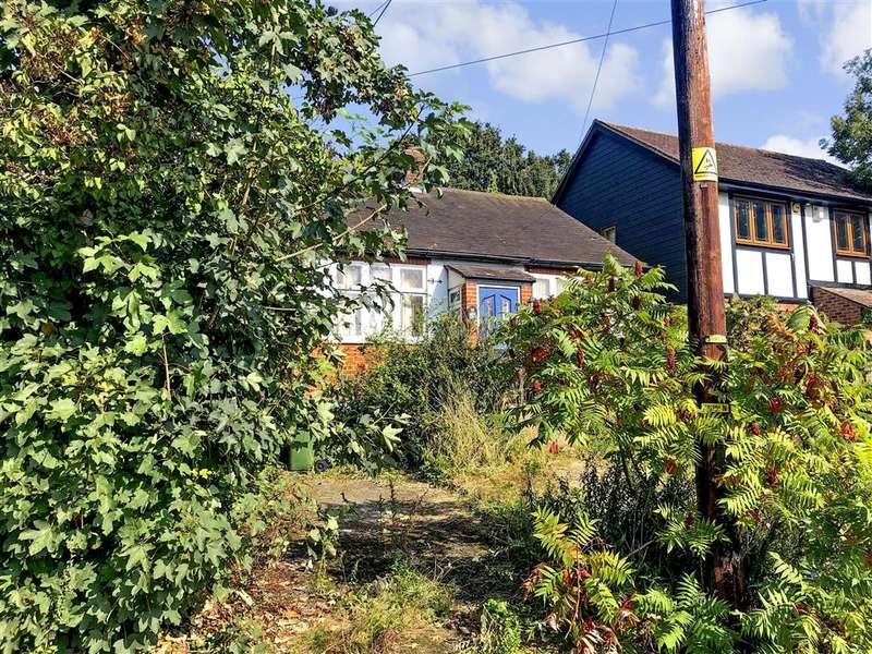 1 Bedroom Detached Bungalow for sale in Crown Road, , Billericay, Essex