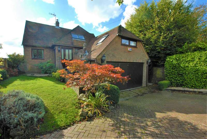 3 Bedrooms Detached House for sale in Hillcrest Road, Hythe, CT21