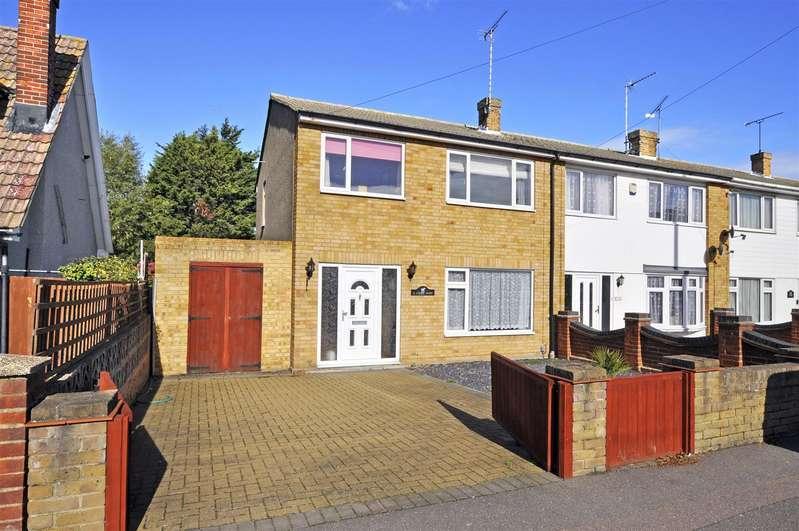 3 Bedrooms Semi Detached House for sale in Croft Road, Benfleet