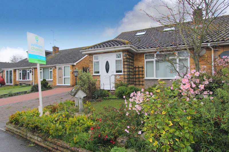 2 Bedrooms Semi Detached House for sale in Painters Ash Lane, Gravesend