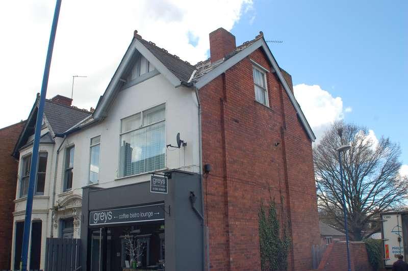 2 Bedrooms Flat for rent in Market Street, Stourbridge, West Midlands, DY8 1AG