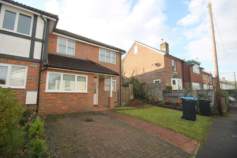 3 Bedrooms End Of Terrace House for rent in Crescent Road, Bletchingley, Redhill, RH1