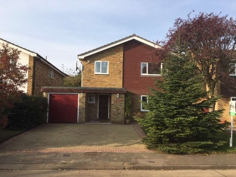 4 Bedrooms Detached House for sale in Dalmeny, Langdon Hills, Basildon, Essex, SS16