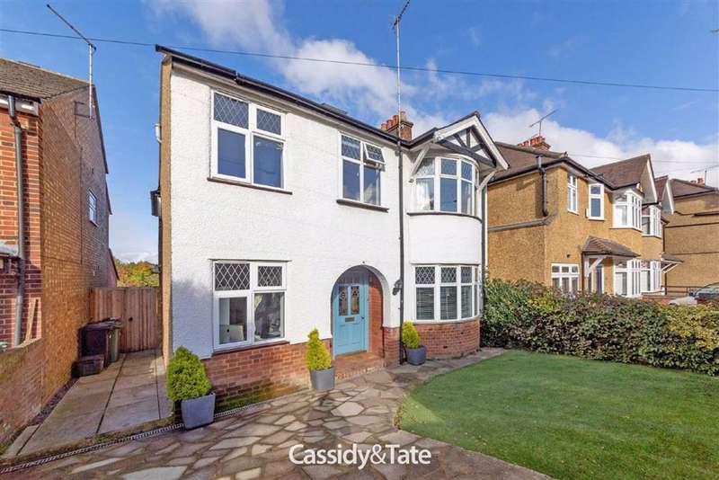 4 Bedrooms Property for sale in Langley Crescent, St. Albans, Hertfordshire - AL3 5RS