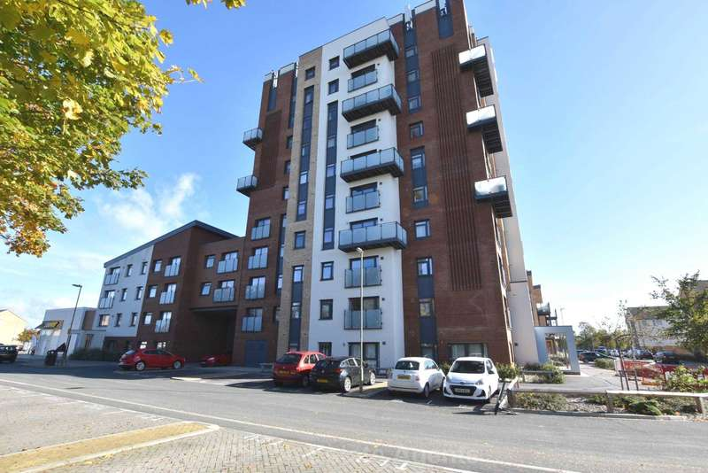 2 Bedrooms Flat for sale in Ark Royal House, Gosport