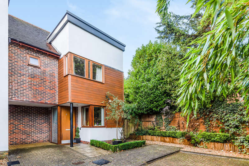 4 Bedrooms Semi Detached House for sale in Edwards Close, Kings Worthy
