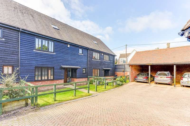 4 Bedrooms Town House for sale in Town Farm Close, Whaddon, SG8
