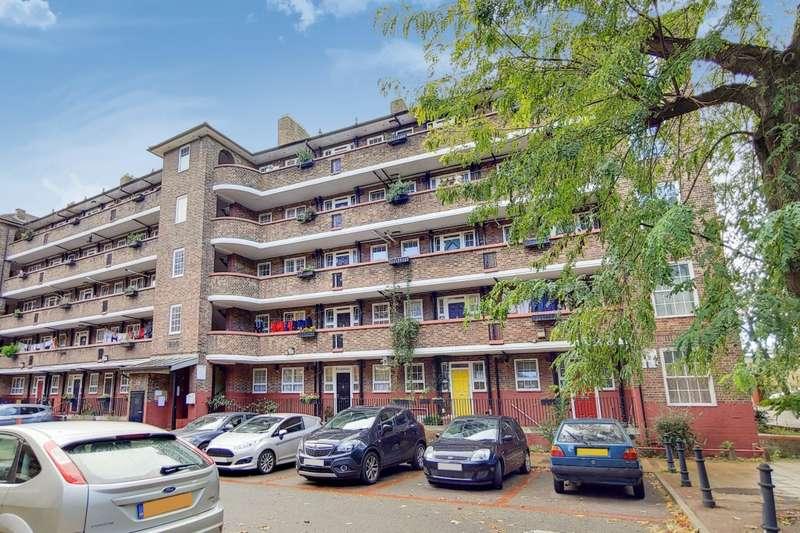 3 Bedrooms Flat for sale in Castell House, Deptford Church Street, Deptford, SE8