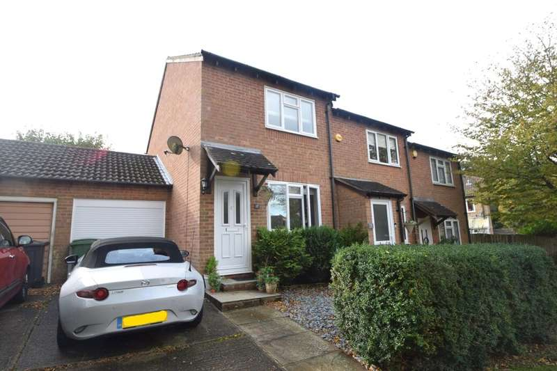 2 Bedrooms Semi Detached House for sale in Spenlow Drive, Chatham, ME5