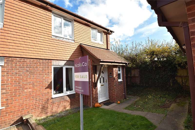 3 Bedrooms Semi Detached House for sale in Hill Wood Close, Lyppard Hanford, Worcester