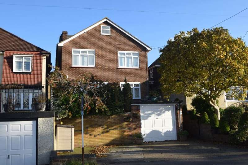 5 Bedrooms Detached House for sale in Snodhurst Avenue, Walderslade, Chatham, ME5