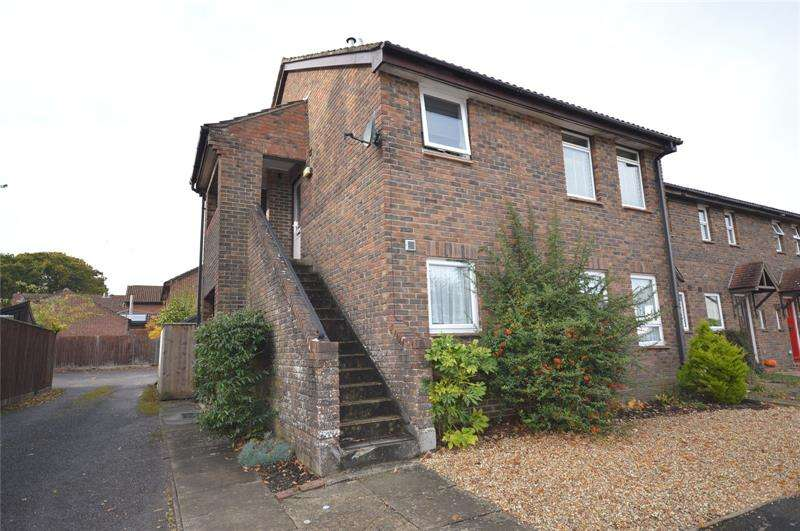 Apartment Flat for sale in Spartina Drive, Lymington, SO41