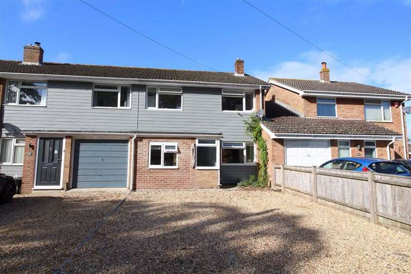4 Bedrooms House for sale in Hordle, Hampshire