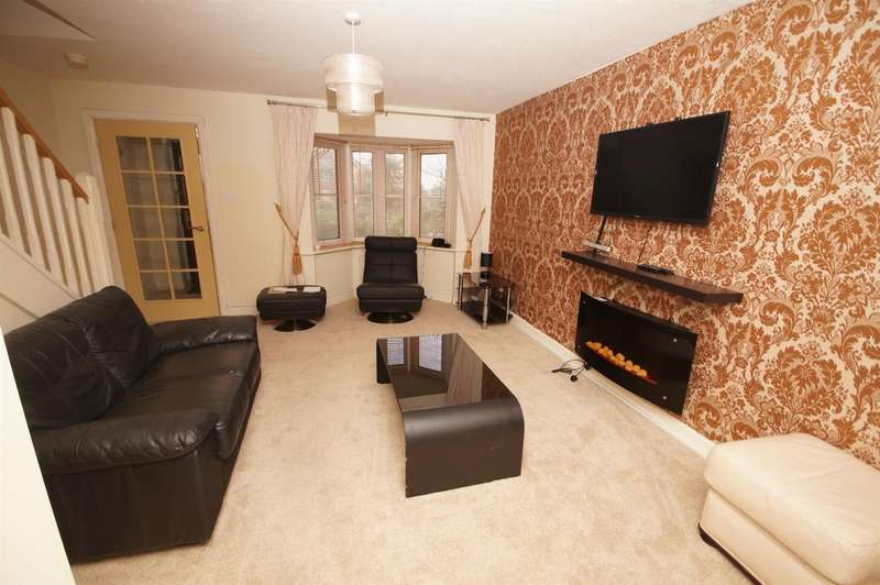 3 Bedrooms Semi Detached House for rent in Lowerbrook Close, Bolton