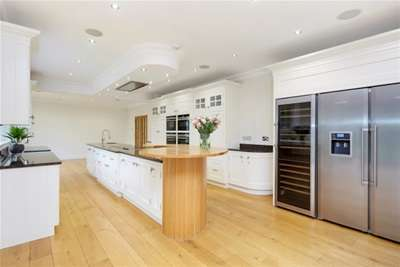 7 Bedrooms House for rent in Ashley Park Avenue