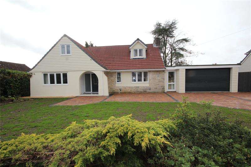 5 Bedrooms Detached House for sale in Oaks Drive, St. Leonards, Ringwood, BH24