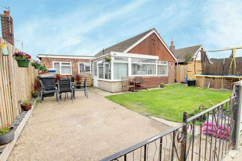 4 Bedrooms Detached Bungalow for sale in Seacroft Road, Mablethorpe