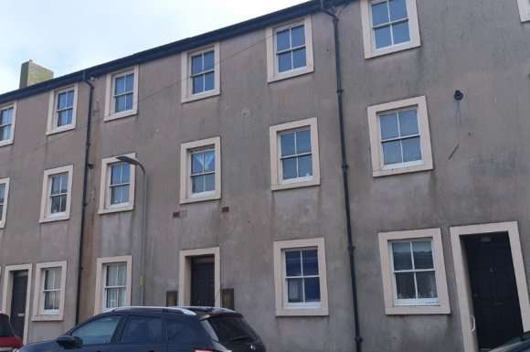 2 Bedrooms Flat for rent in King Street, Maryport, CA15